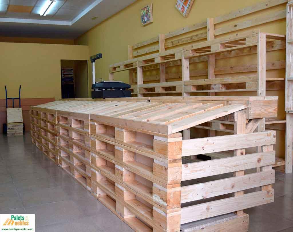 Mobiliario con palets para fruter a palets y muebles for Modelos de barcitos hecho en madera