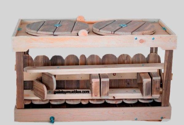 carrito-con-palets-desmontado-muebles-hechos-con-palets-reutilizados