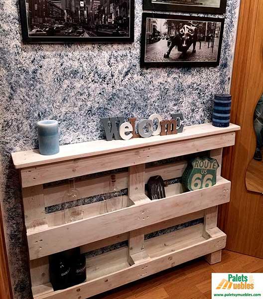 Recibidor con palets reciclados palets y muebles for Muebles de sala hechos con palets