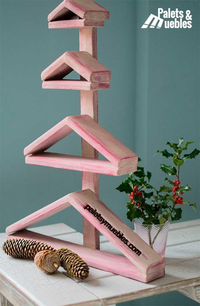 Rboles de navidad con palets palets y muebles for Muebles decorados de navidad