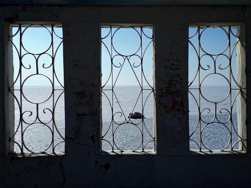 listvyanka abandoned building lake baikal winter trip report