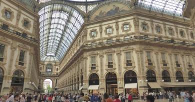 gallery arcade milan italy