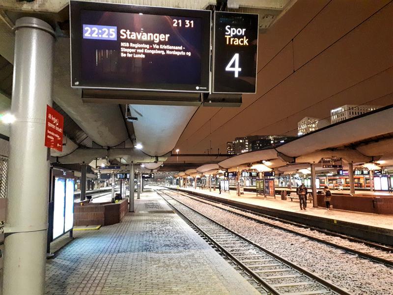 oslo central station platform