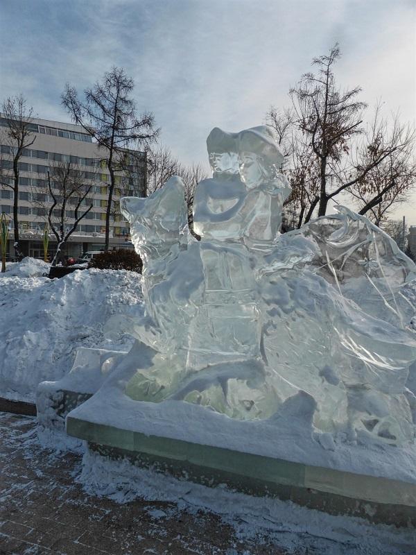 kirov square ice sculpture