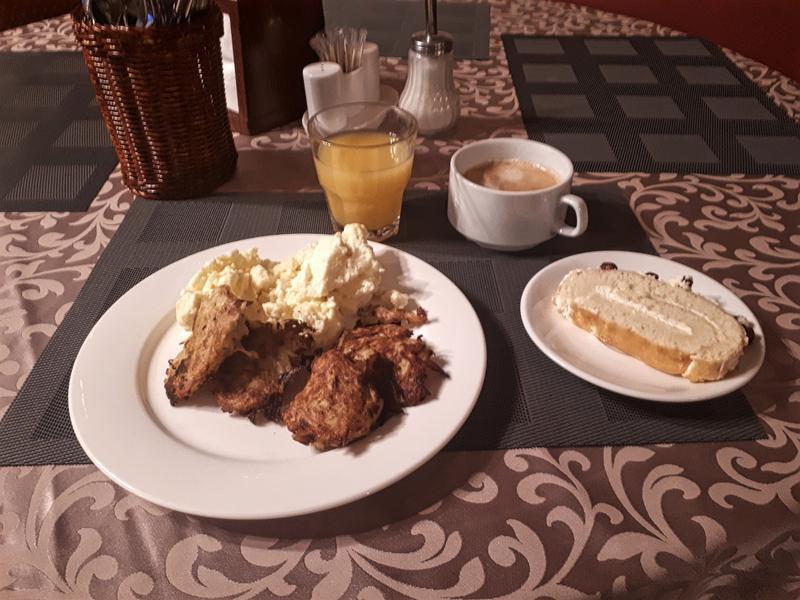breakfast pushkin hotel moscow