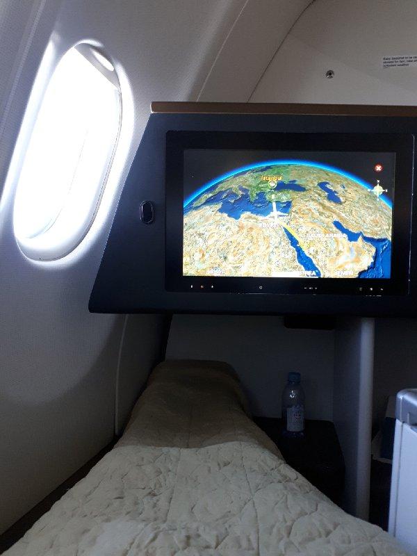 saudia business class lie-flat seat