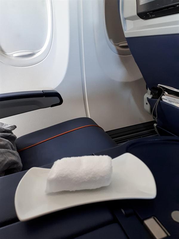 aeroflot refreshment towel