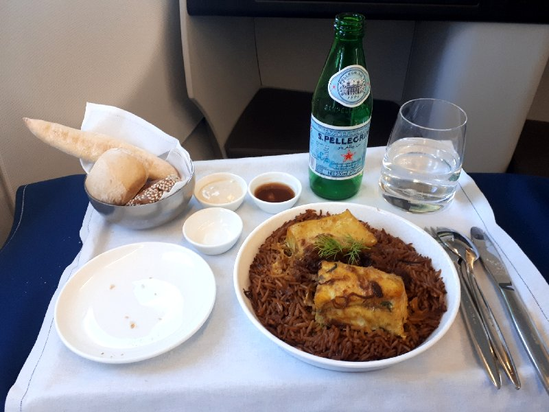 arabic main dinner fish saudia review a320 business class meal