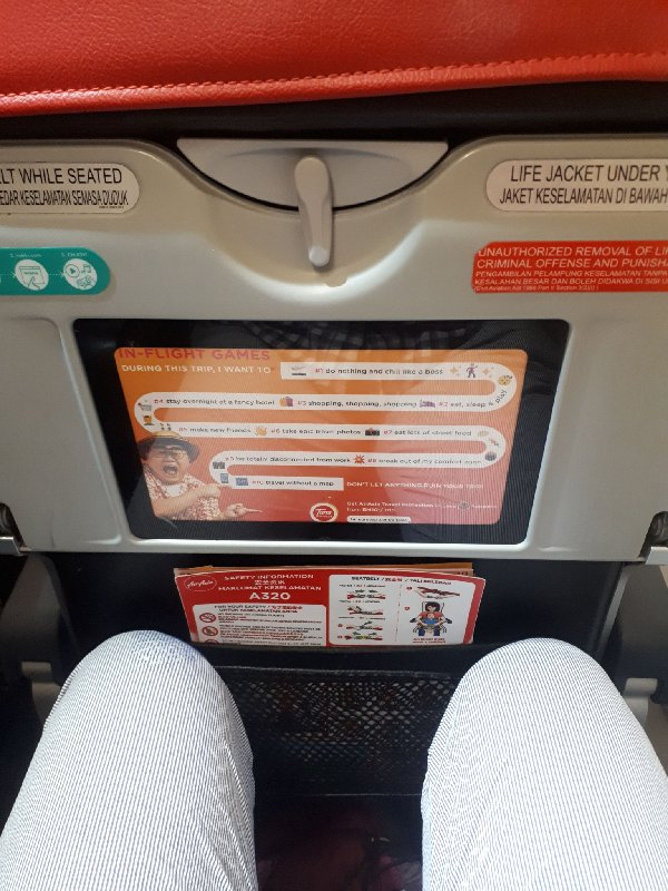 air asia leg room seat pitch