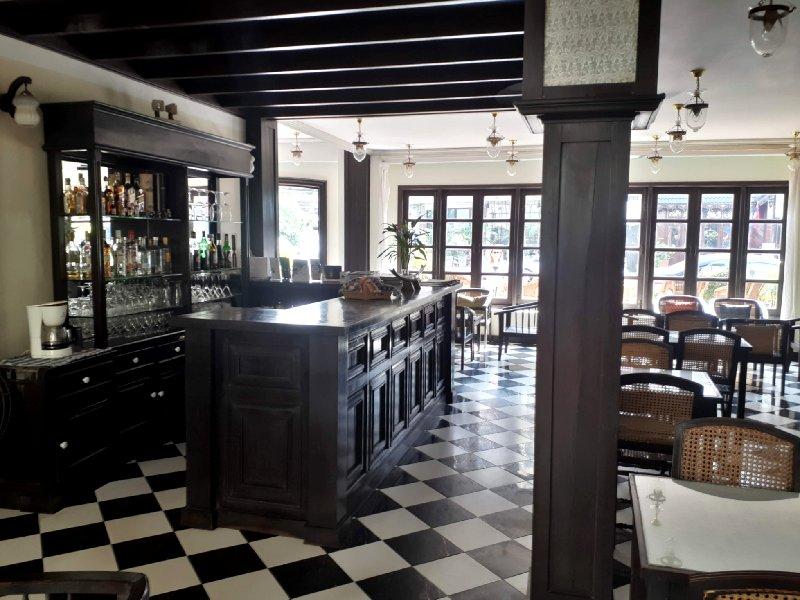 khamvongsa hotel bar