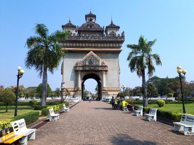 patuxay monument laos vientiane trip report