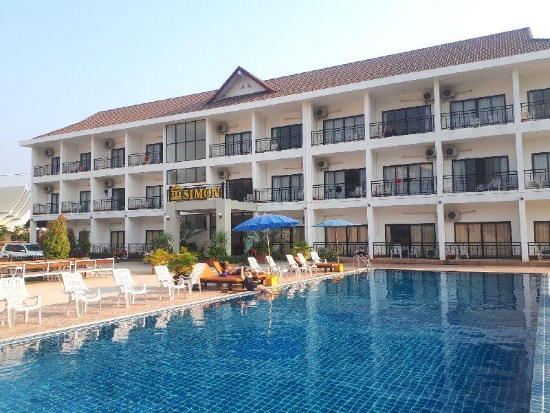 simon riverside hotel vang vieng laos