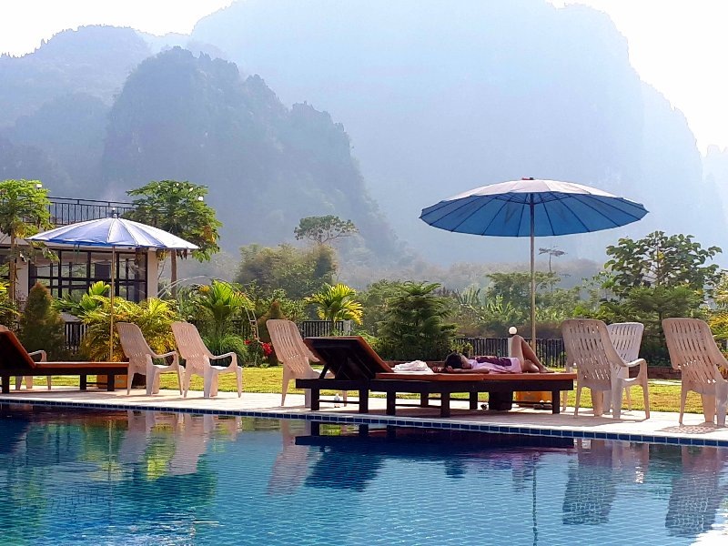 simon riverside hotel pool