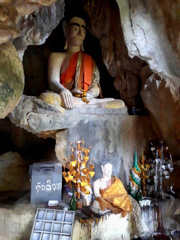 tham chang buddhist shrine