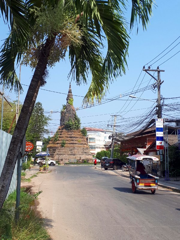 that dam stupa vientiane trip report