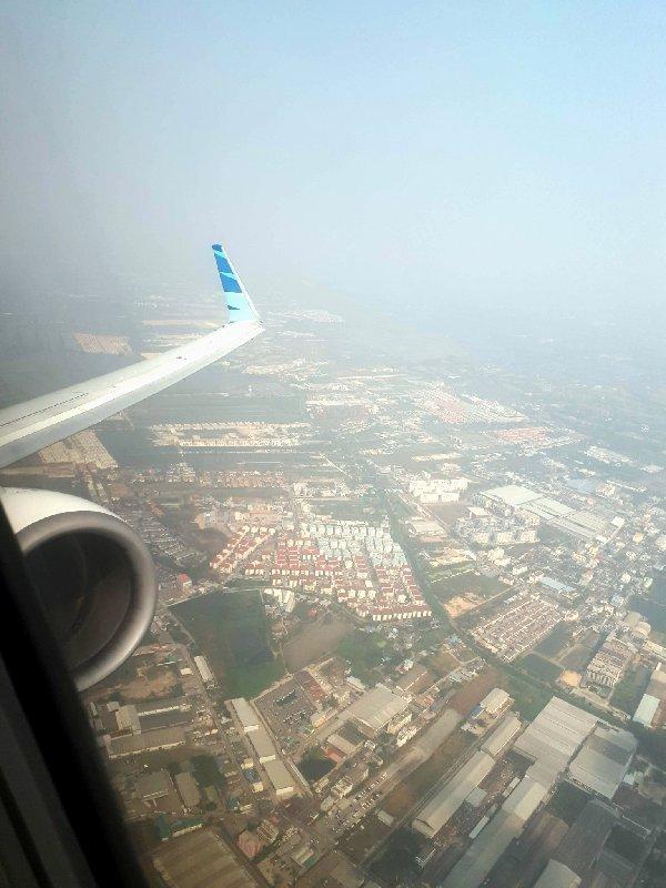 garuda bangkok boeing 737 takeoff departure