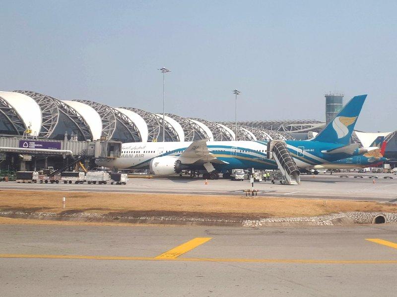 oman air boeing 787 dreamliner