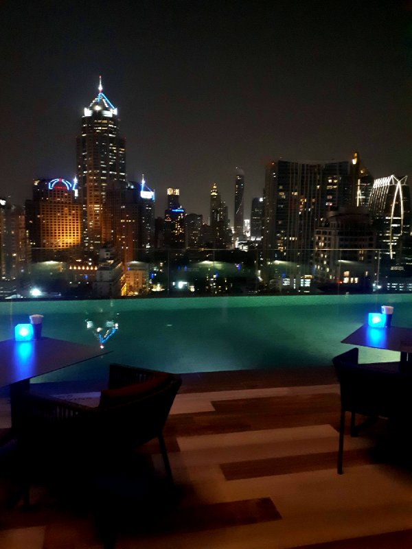 ibis styles bangkok sukhumvit pool night