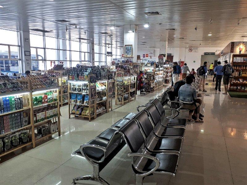 duty free souvenir shop luang prabang airport