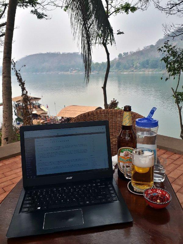 big tree cafe luang prabang laptop