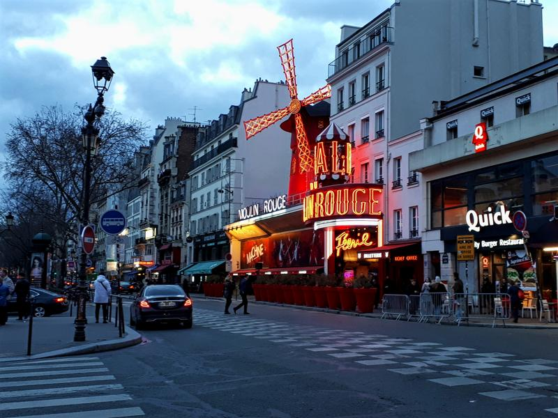 moulin rouge paris overnight stopover
