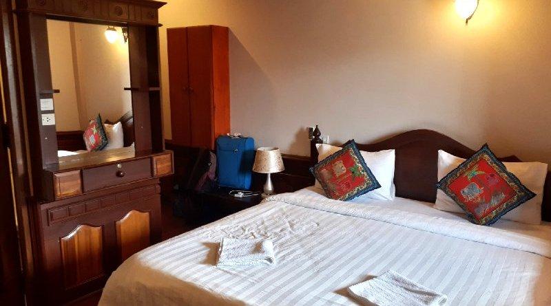 deluxe double room villa ban phanluang luang prabang review laos