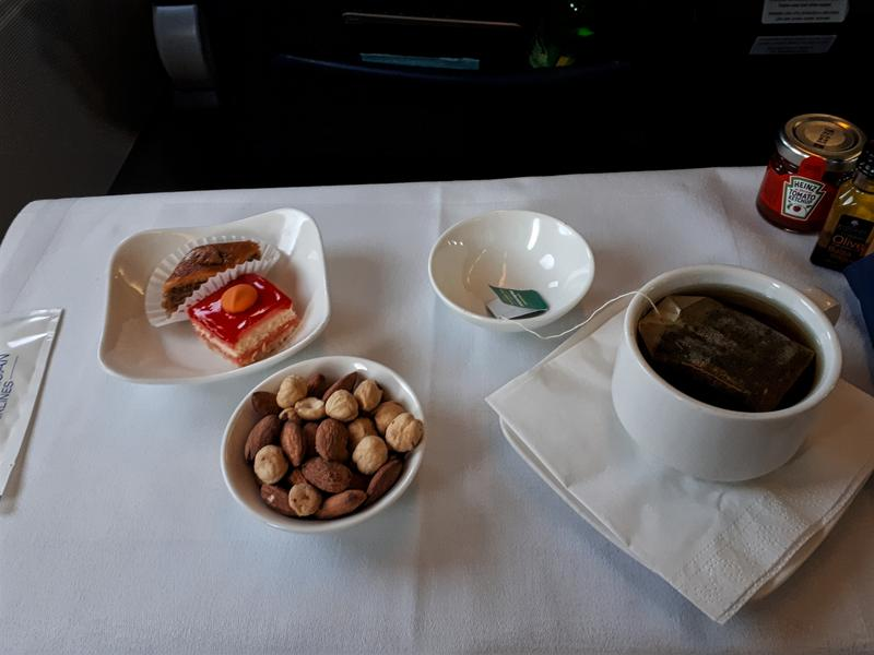 azerbaijan airlines airbus a320 breakfast business class azal