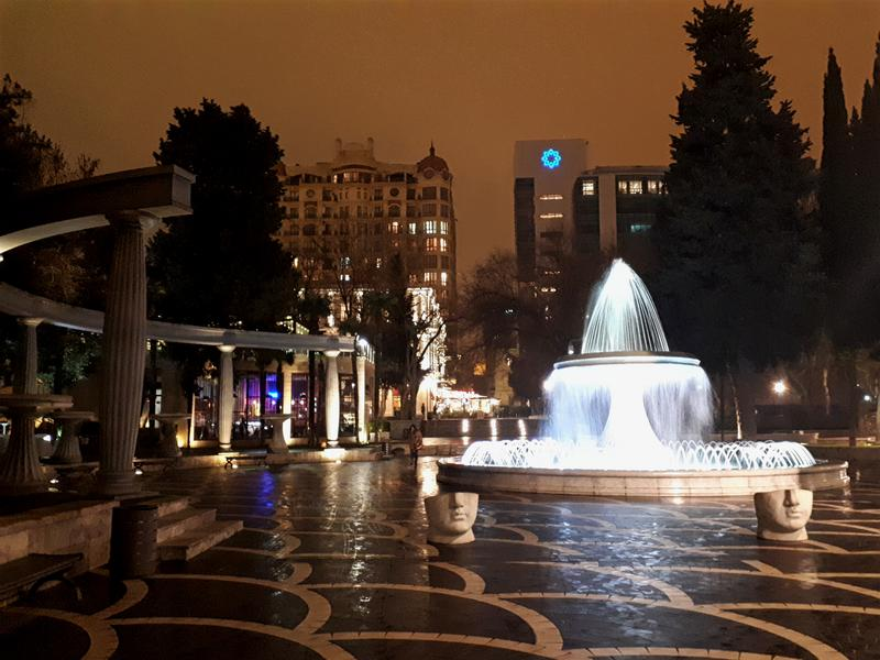 fountain square baku azerbaijan trip report