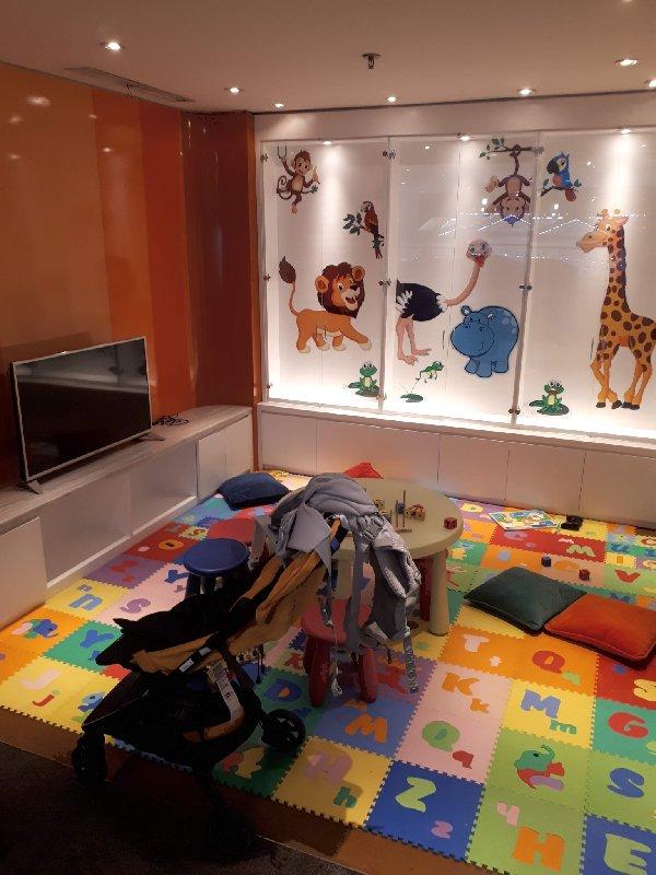 garuda lounge kids playroom area play