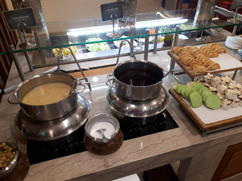 garuda lounge buffet