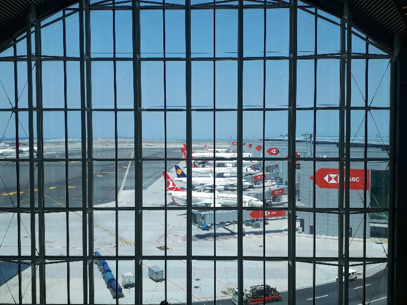 istanbul airport turkish airlines planes