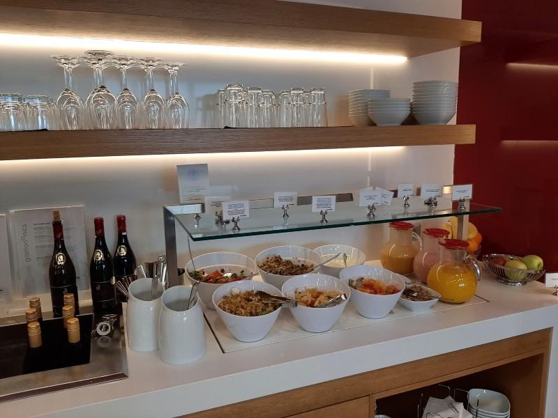 a3 lounge buffet