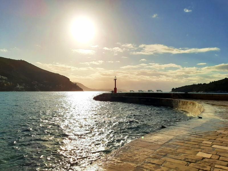 sunrise morning dubrovnik sea harbour