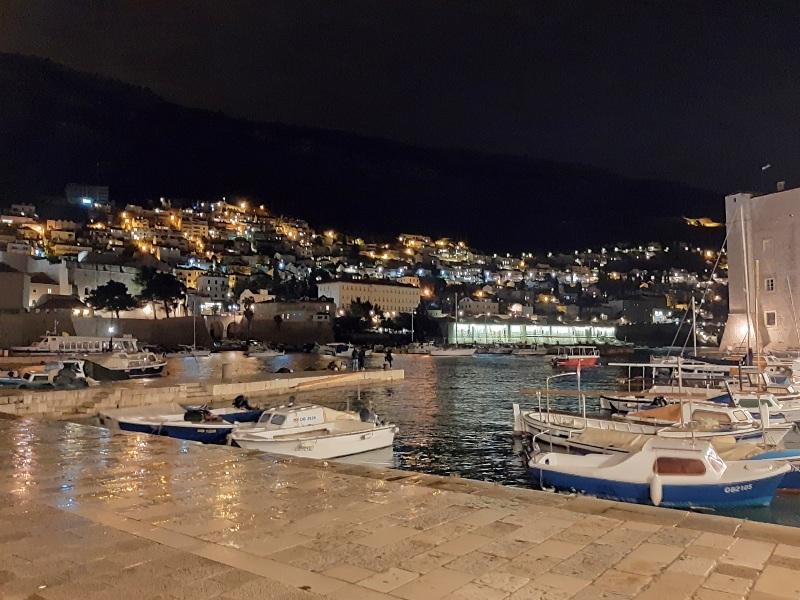 dubrovnik harbour night