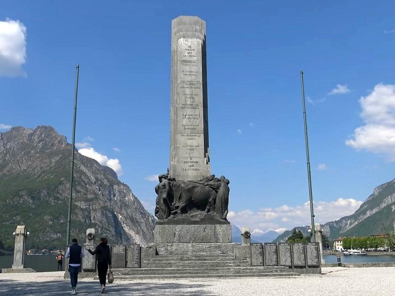 lake como war memorial