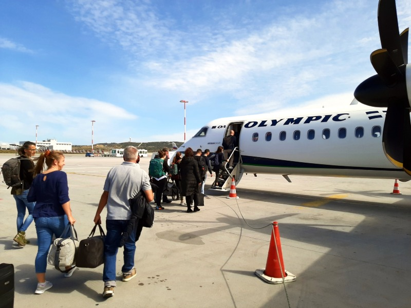 boarding olympic air dash 8 review