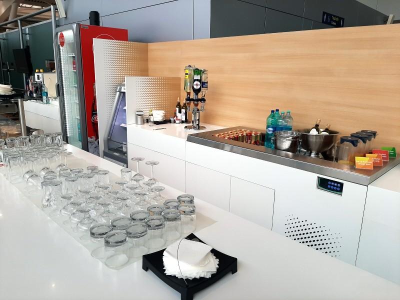 mastercard lounge buffet