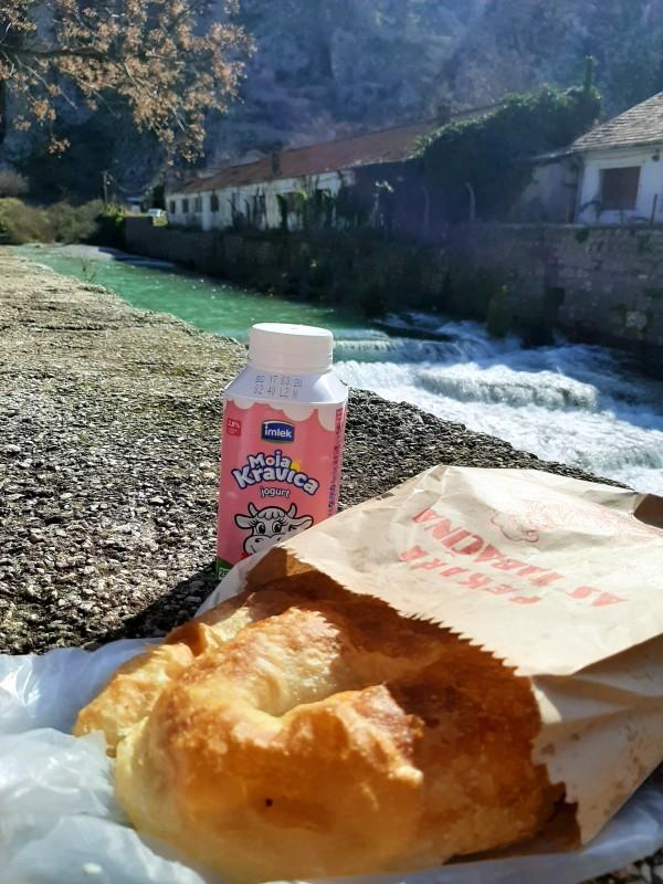 burek yoghurt