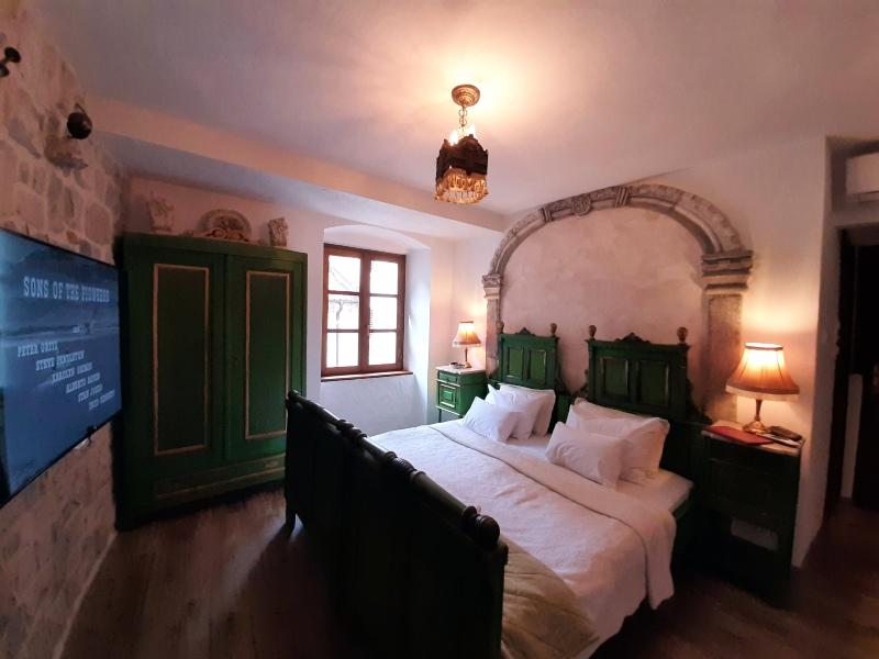 merchant's room palazzo drusko