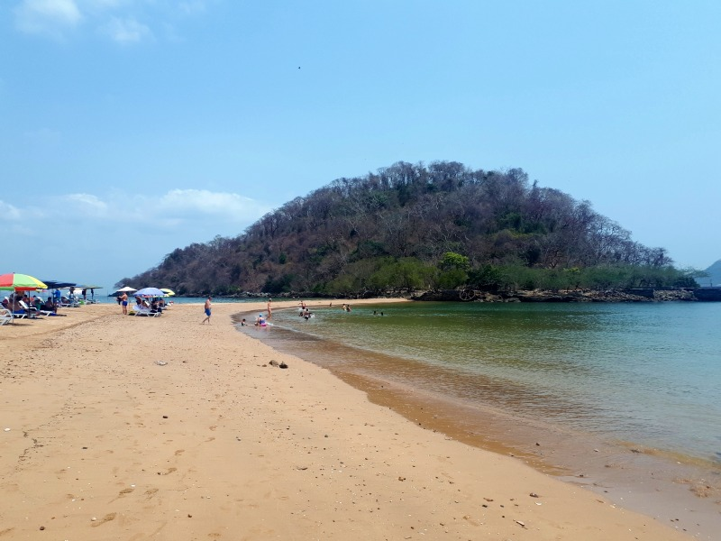 morro island beach taboga