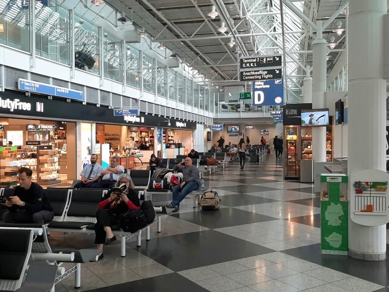 munich airport terminal 1
