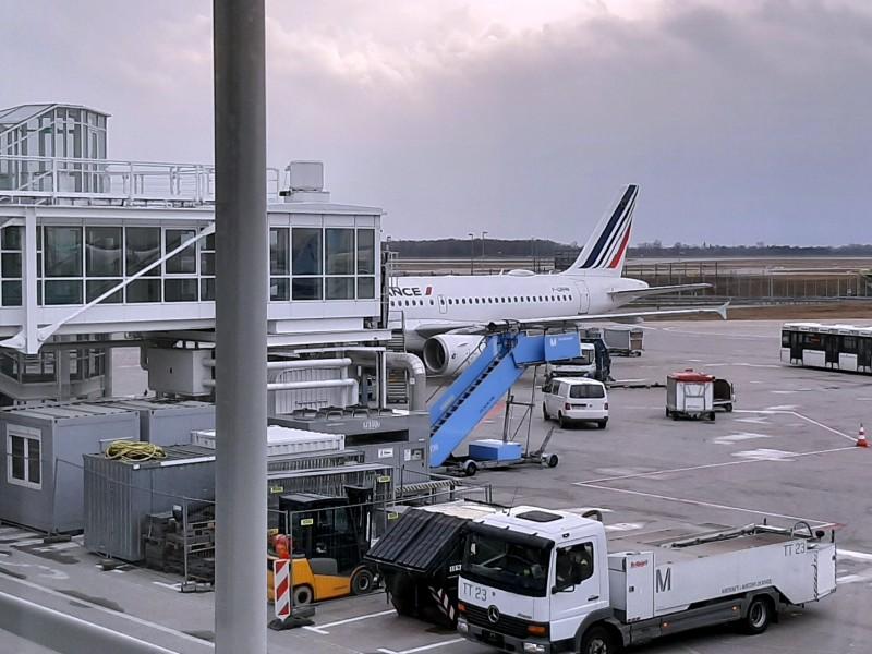 air france airbus a319 economy munich paris