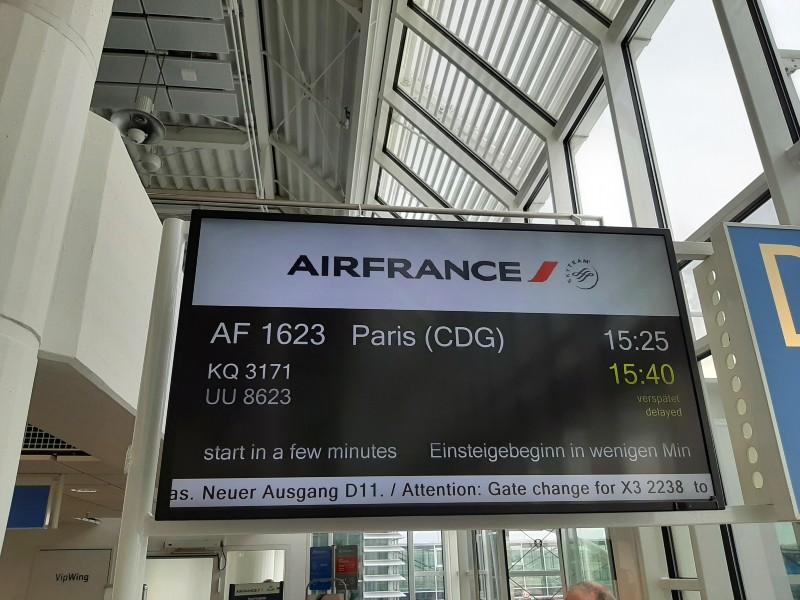 munich paris air france flight