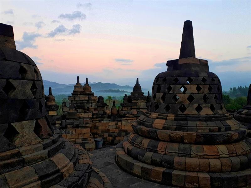 borobudur sunrise temple java indonesia trip report