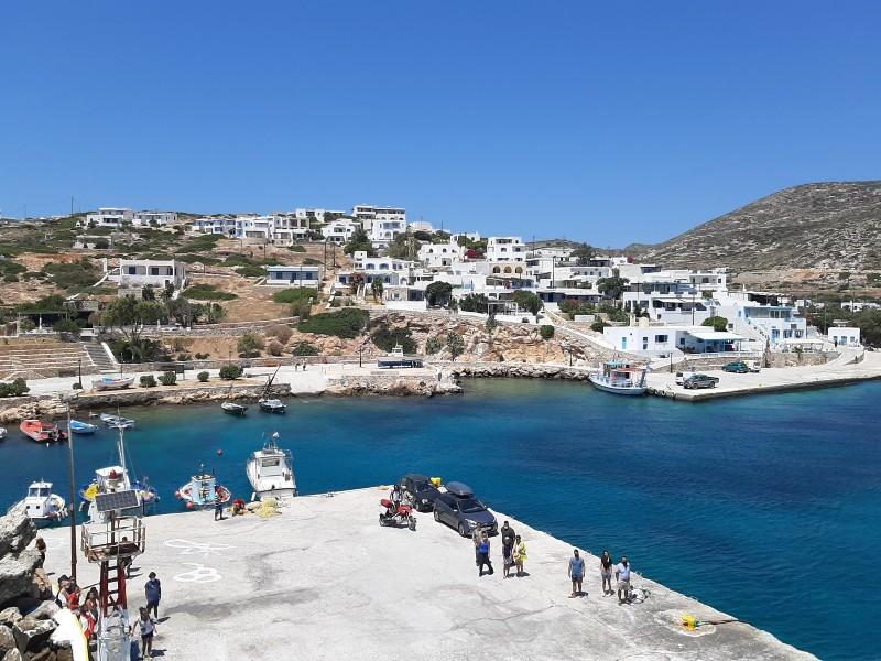 donousa ferry dock blue star