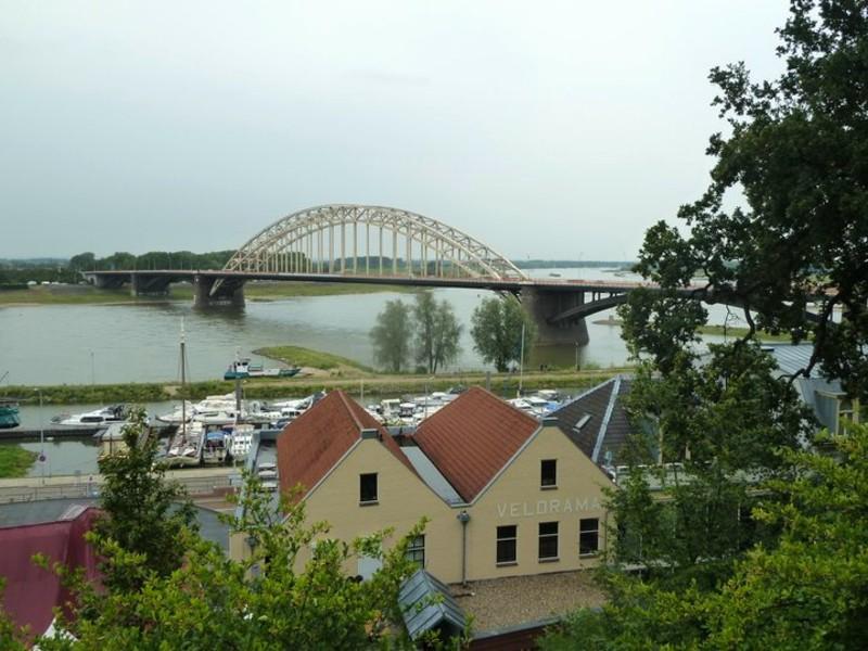 nijmegen bridge netheralnds corona restrictions