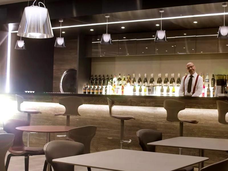 casa alitalia lounge bar