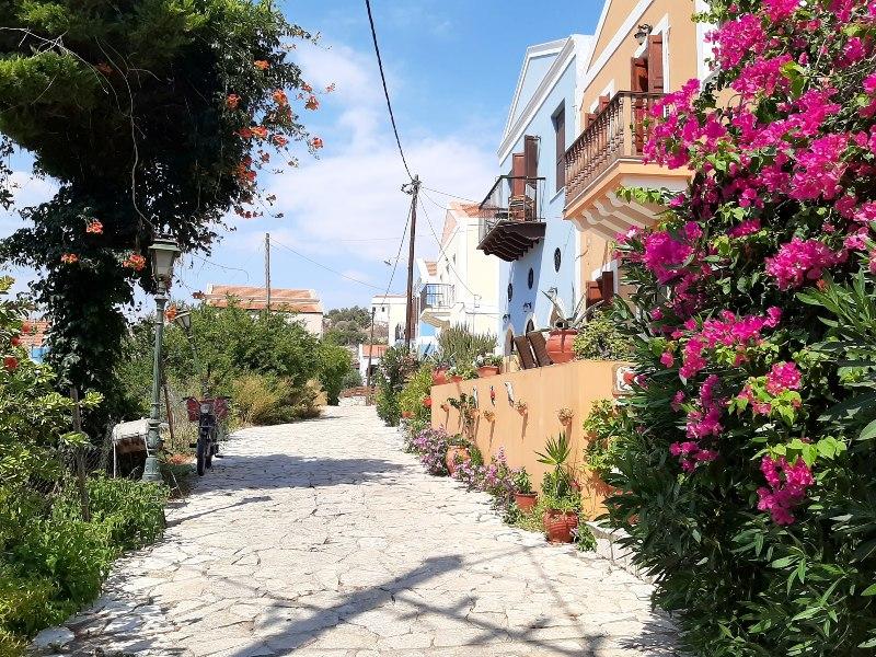 hilltop street castelrosso