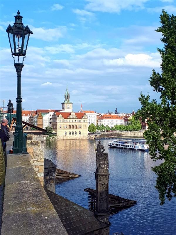 moldau vltava prague charles bridge