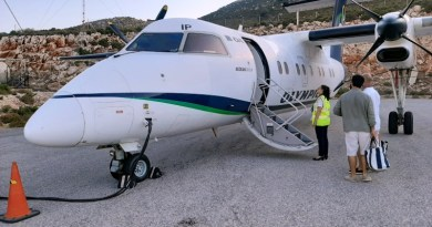kastellorizo airport dash 8-100 olympic air